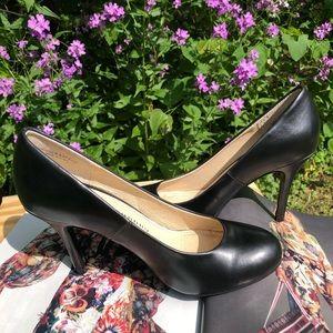 Chinese Laundry Black Round Toe Pump Heel